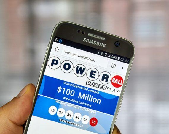 Õnnelik lotomängija võitis Powerballiga üle 700 miljoni dollari