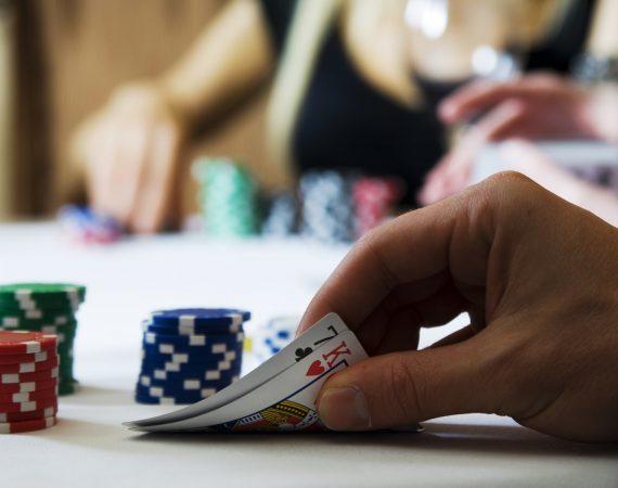 Miten pokerin pelaaminen kannattaa aloittaa?